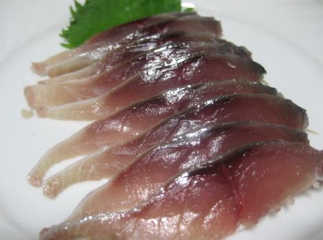 サバの刺身の定番レシピ・しめ鯖