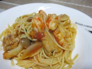 海老と鶏肉のトマトパスタ