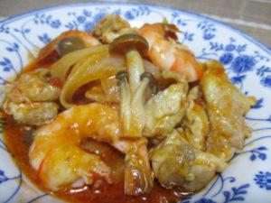 エビと鶏肉のトマト生姜煮込み