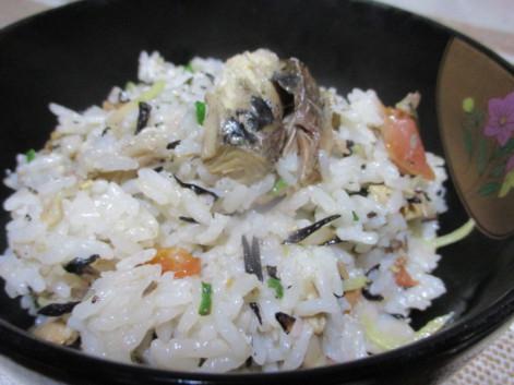 さば水煮缶の簡単レシピ・サバ缶の炊き込みご飯