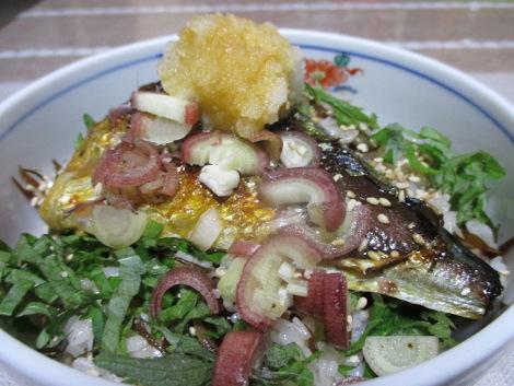 塩サバの簡単レシピ・焼きさば丼