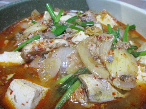 さば水煮缶の簡単レシピ・さば缶の豆腐キムチチゲ